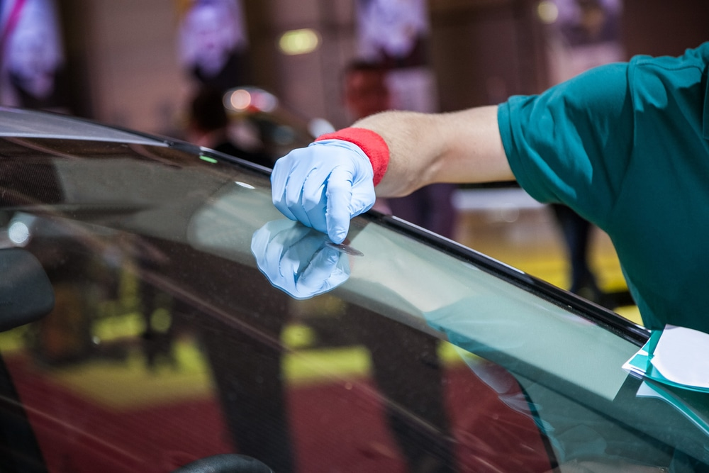 glass repair & replacement - Raydar Collision Group | BC Autobody Collision Repair Shop